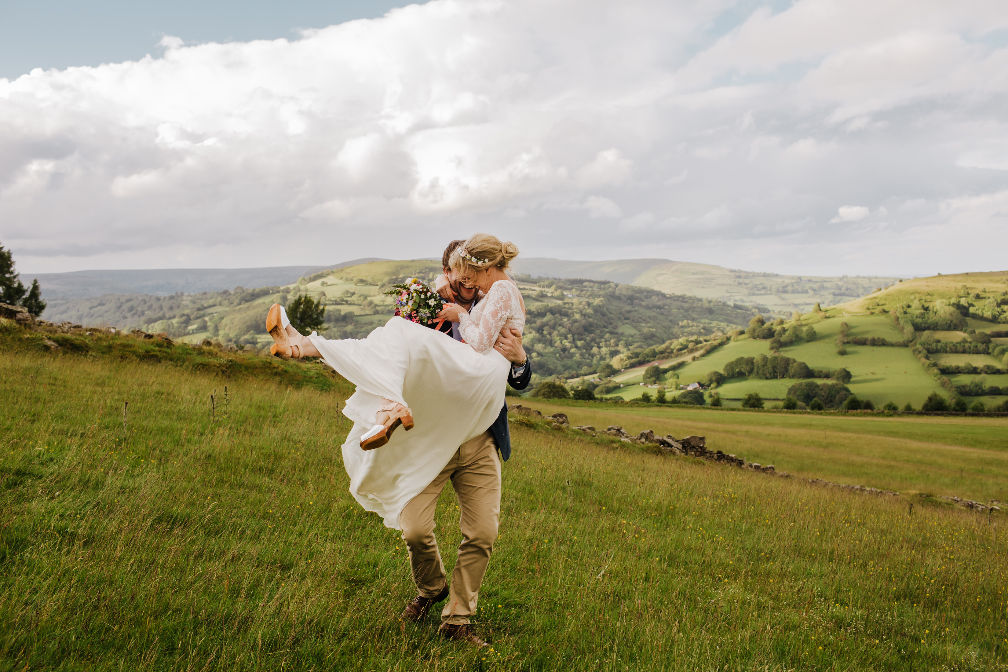 When Charlie Met Hannah - Sugarloaf Barn Wedding
